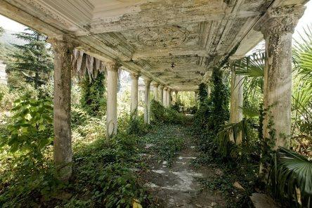 abandoned estacion de trem abkhazia